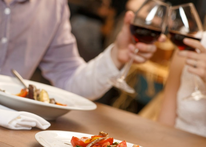 The Best Foods to Order on a Date