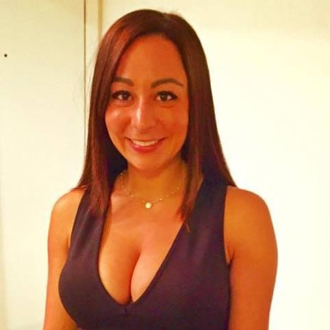 Single Cococandy5 is looking for a man