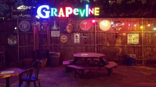 Grapevine Bar