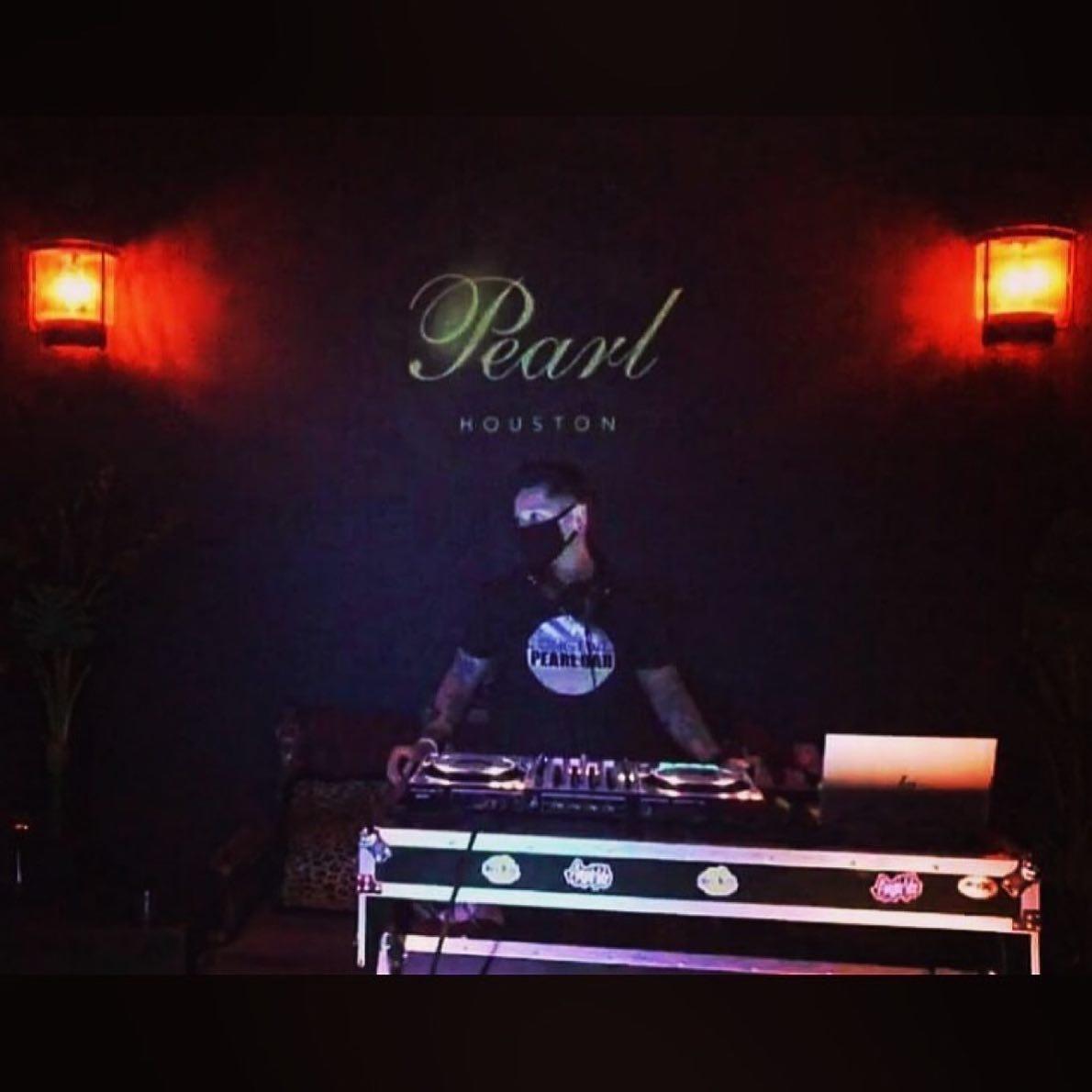 Pearl Bar
