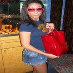Single lovegirl352 is looking for a man