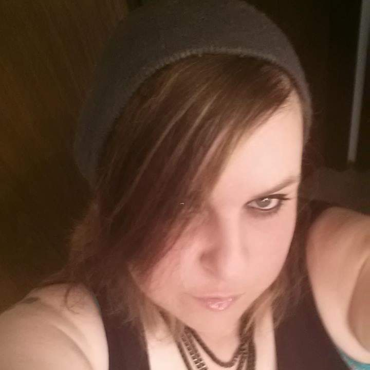 Single krazydomc41 is looking for a man