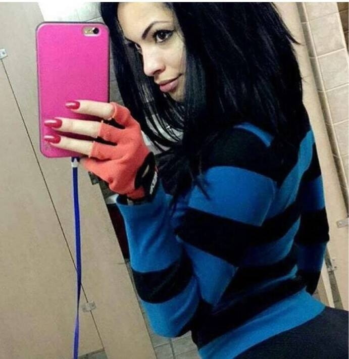 Single Allison Janet is looking for a man